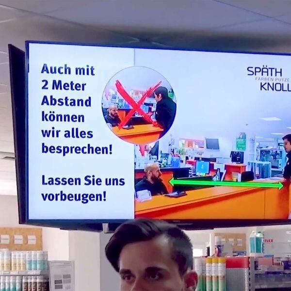 Koke Gmbh - Digitale info Displays im Kassenbereich bei Späth und Knoll